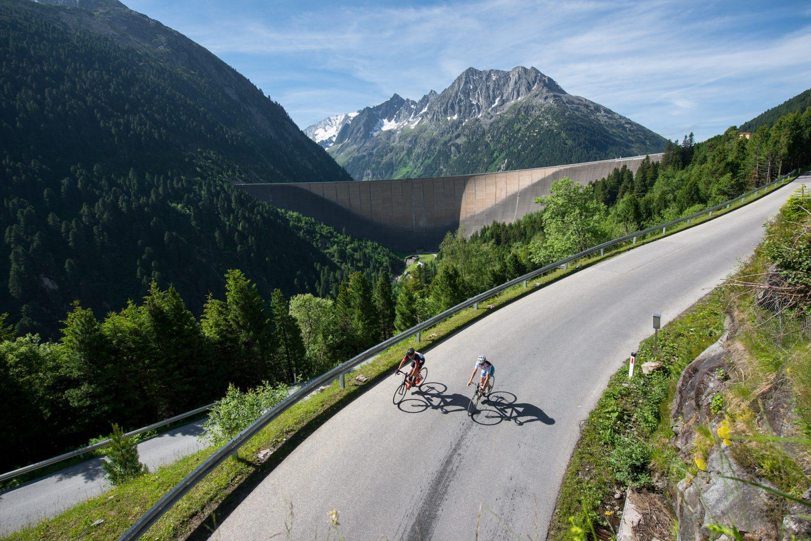 Rad fahren zum Schlegeis Stausee
